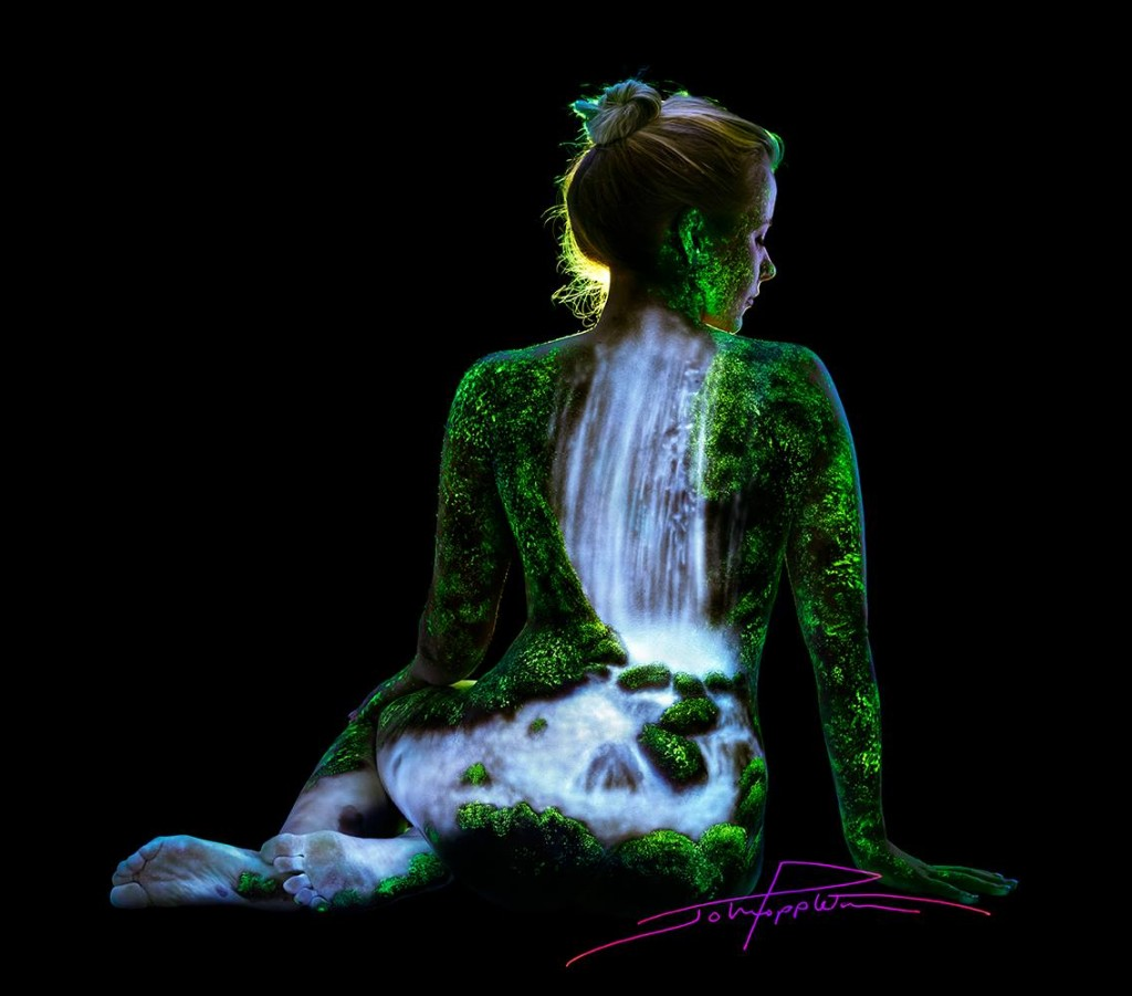 Mind Blowing Body Art Uv Images Painted Onto Naked Women