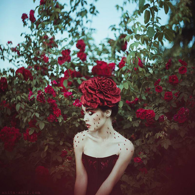 fairytale women with animals photos - Roses & thorns