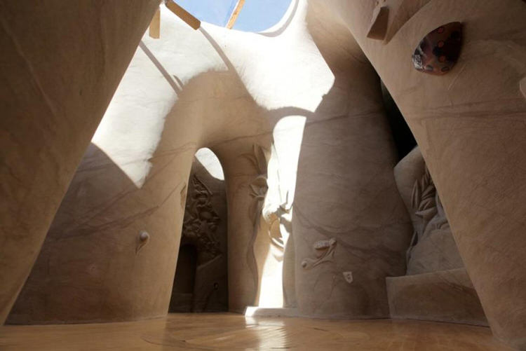 man-dog-carved-cave-25-years-9