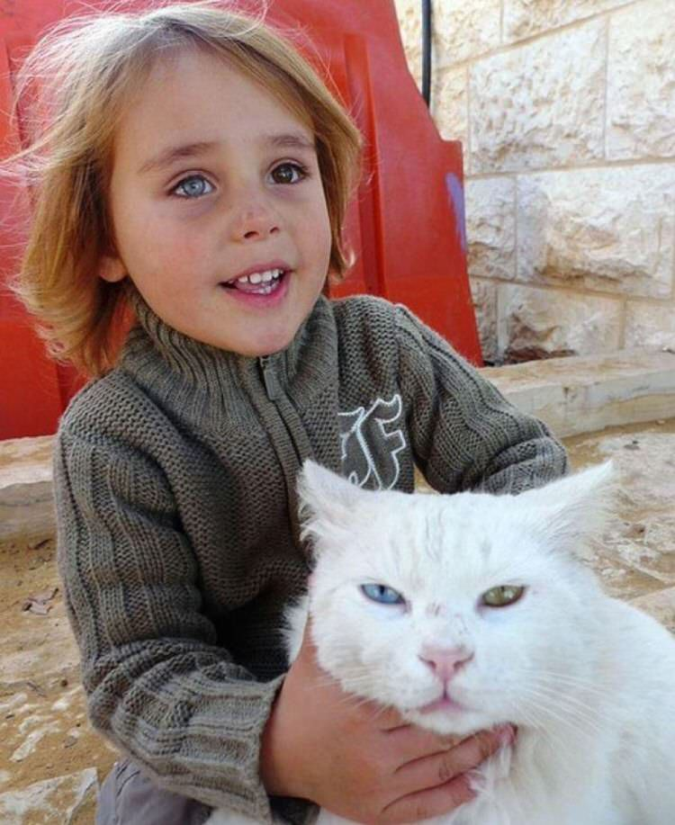 cute-kids-with-cats-1