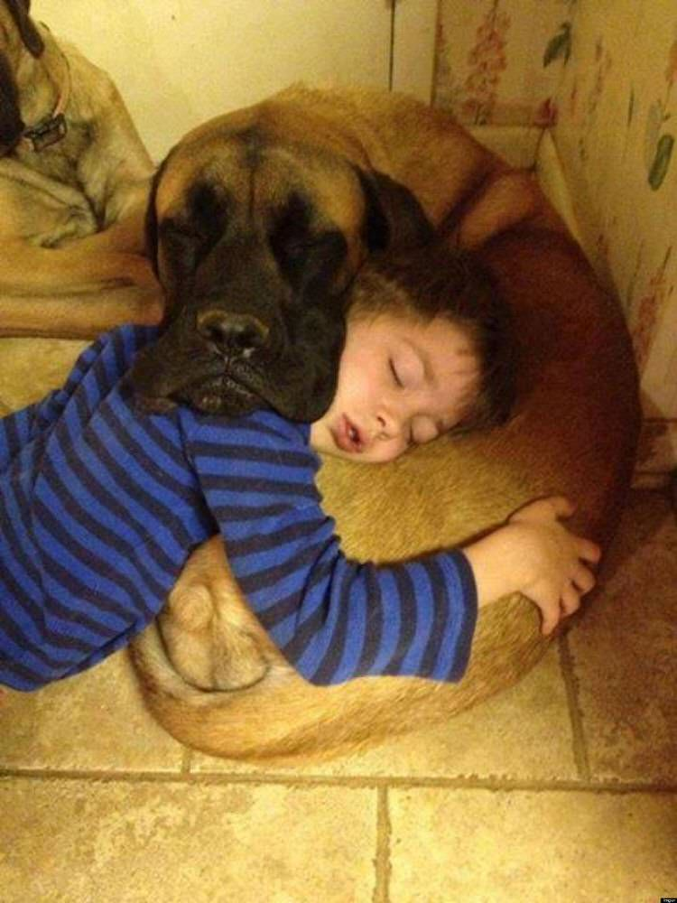 cute-kids-with-dogs-8