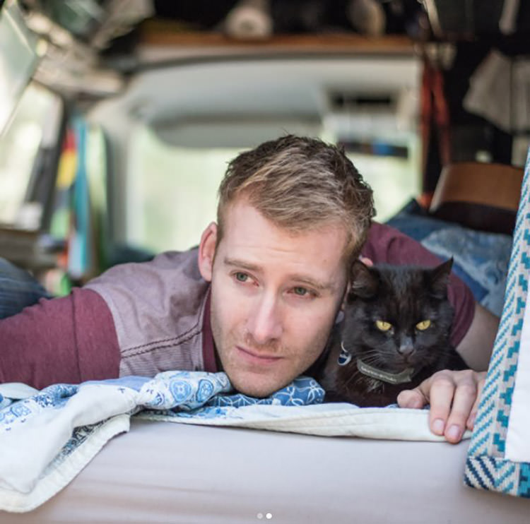 guy-cat-travel-together
